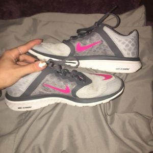 Barely worn Nike running sneakers with box size 7